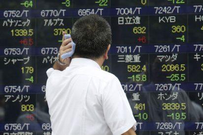 El Ibex 35 cae un 1,35% en la apertura y pelea en los 10.100 enteros lastrado por China