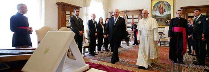 Francisco pide al presidente de Israel retomar las negociaciones con los palestinos