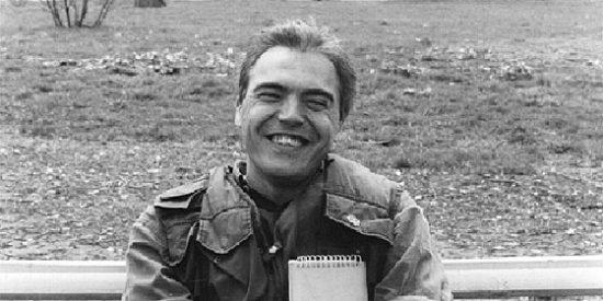 REPORTERO DE GUERRA: Julio Fuentes; un tipo que se vestía por los pies (XV)
