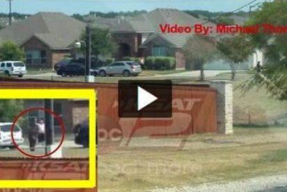 El vídeo del inmigrante que mata a tiros la Policía... cuando se rendía manos arriba