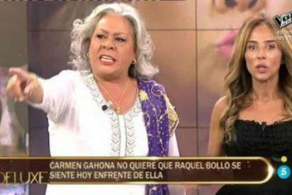 """La cobardía de Carmen Gahona en el 'Deluxe' al no querer sentarse con Raquel Bollo: """"¿Te crees que soy gilipollas?"""""""
