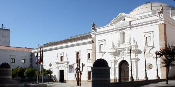 El equipo de Gobierno de Cáceres tacha al PSOE de mezquino e infantil