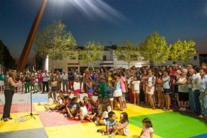 La historia de España, en el suelo de la nueva Plaza de Las Palmeras de Casar de Cáceres