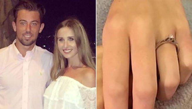 Se promete con su novia fallecida y le pone un anillo en el dedo en el ataúd
