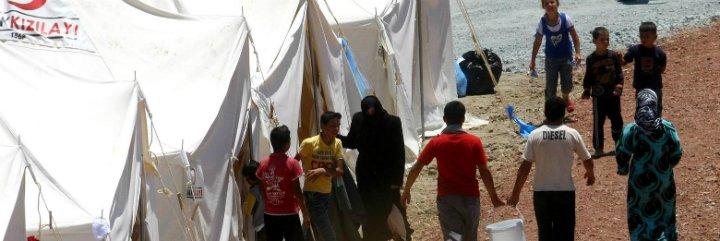 Católicos, musulmanes, judíos y evangélicos, con los refugiados