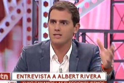 Rivera se pone a la defensiva cuando le sacan a colación a la carota concejal de los vuelos gratis