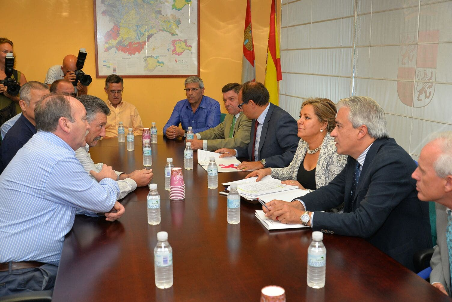 """Valdeón garantiza que la Junta """"va a estar en todos los frentes para defender el sector minero"""""""