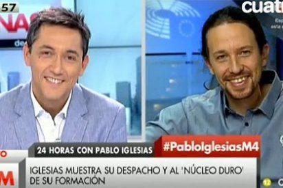 Javier Ruiz le hace la campaña a Pablo Iglesias y evita preguntarle por la 'huída' de Carmena