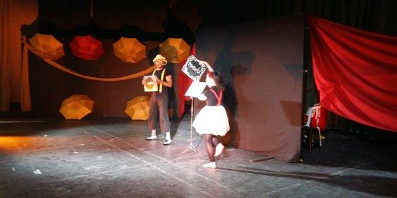 Los niños y niñas de Zafra disfrutaron con el espectáculo Pantufla y Lupón