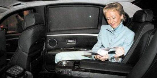 María Teresa Fernández de la Vega se pateó un millón de euros públicos en dos coches