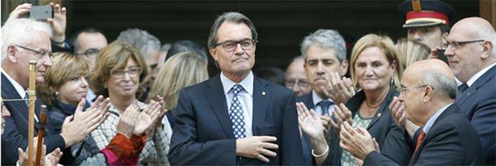 Los ayuntamientos independentistas catalanes se rebelan... pero sólo a medias