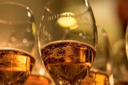 El agente James Bond brinda por el estreno de Spectre con un champagne exclusivo