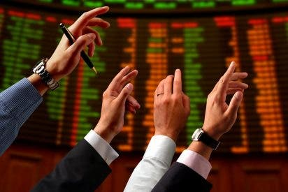 El Ibex 35 cae un 0,12% en la apertura y espera a la Fed anclado en los 10.300 enteros