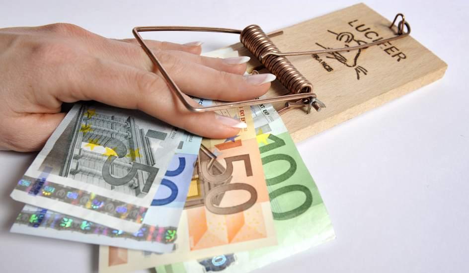 La CNMV advierte de seis 'chiringuitos' financieros en Reino Unido, Chipre, Irlanda y Hungría