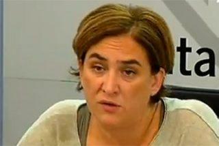 Ada Colau echa otra moneda a la máquina del populismo: convertir Barcelona en un gran 'Monopoly'