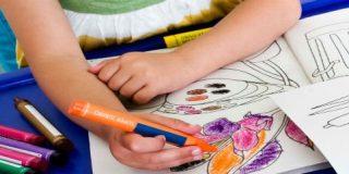 Ayuntamiento de Cáceres concede más de un centenar de becas para la adquisición de material escolar y libros
