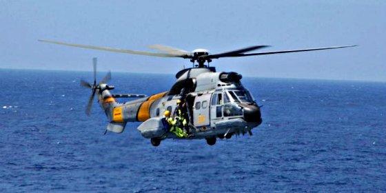 El Ministerio de Defensa no logra contactar con los militares del helicóptero hundido en el Atlántico
