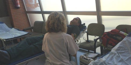 La Hermandad de Donantes de Sangre visita la Comandancia de la Guardia Civil de Cáceres