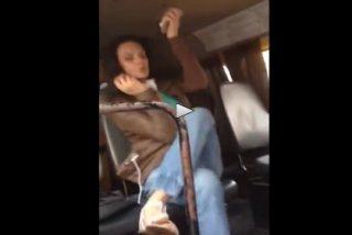 El vídeo de la mujer que trata de hablar por teléfono 'puesta' de droga caníbal