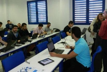 """13 programadores participan en el primer """"Hackathon"""" Opendata del Ayuntamiento de Cáceres"""