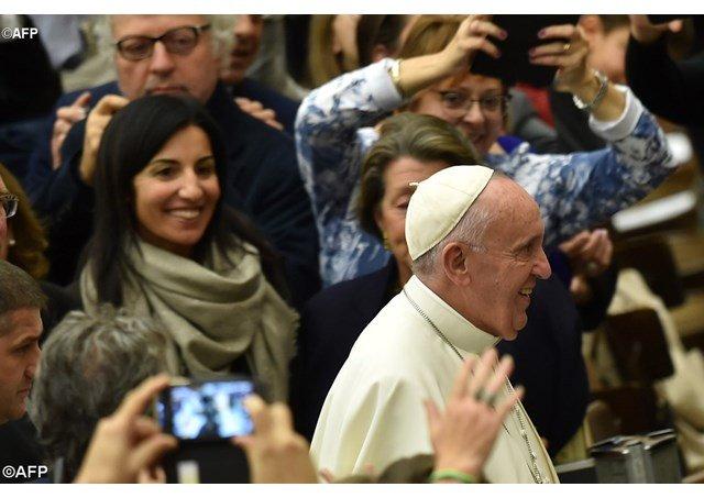 El papa denuncialos despidos de mujeres embarazadas