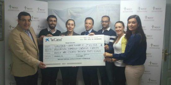 El Club Deportivo La Vereína entrega a la Asociación Española Contra el Cáncer más de doce mil euros