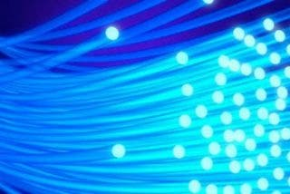 Una decena de centros educativos de Cáceres contará con conexión por fibra óptica