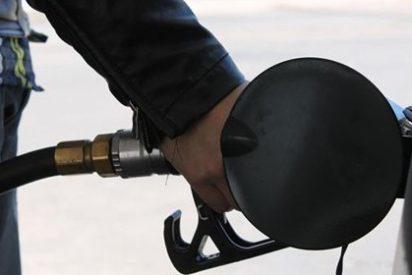 La gasolina y el gasóleo marcan sus precios más bajos en lo que va de mes