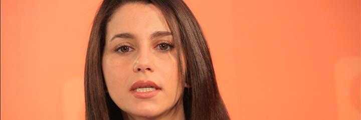 El diario 'El País' entrevista a Inés Arrimadas, llama a la dirigente de Ciudadanos 'pija de Jerez' y se queda tan ancho