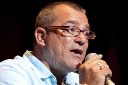 Isidro Arenas, vocalista del grupo Tennessee, en El Corte Inglés de Badajoz