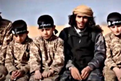 Los decapitadores del ISIS entrenan a niños secuestrados para convertirlos en asesinos suicidas