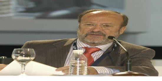 El tripartito pide a concejales del PP y De la Riva los móviles