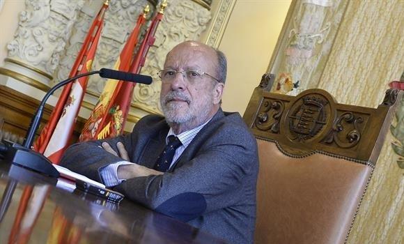 De la Riva no llevará su caso de inhabilitación al Tribunal Constitucional