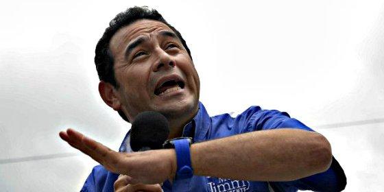 El cómico Jimmy Morales arrasa en las elecciones de Guatemala con el triple de votos que su rival