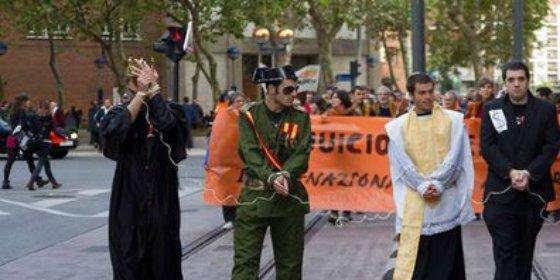 [Vídeo] Los infames 'juicios éticos' a España de la manada proetarra que cruzan el charco