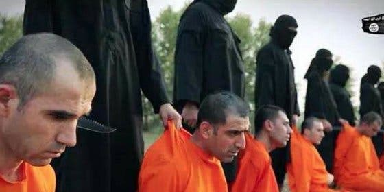 Los muyahidines arrancan la cabeza a 10 combatientes 'peshmerga'