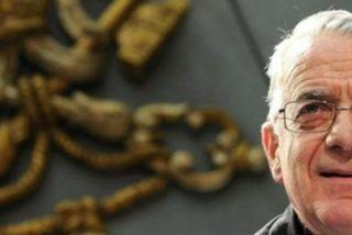"""Lombardi pide a los participantes del Sínodo que no se dejen """"perturbar"""" por la """"extraña carta"""""""