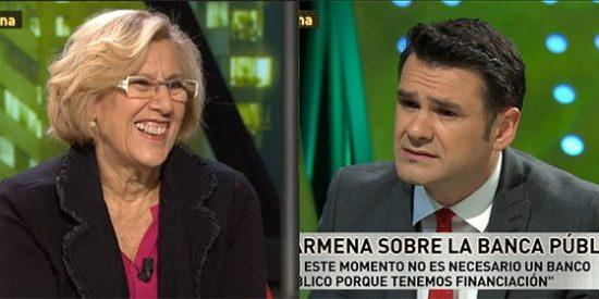 Iñaki López, la niñera de Podemos, le hace un masaje en toda regla a Manuela Carmena