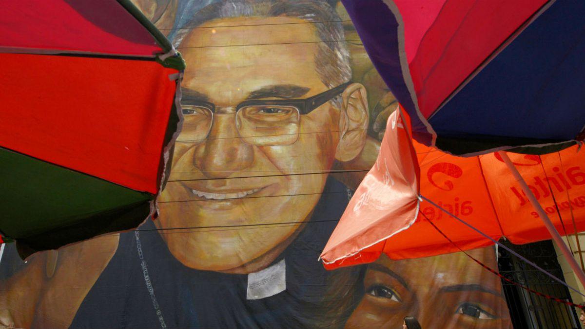 Francisco dice que Monseñor Romero fue calumniado también por los obispos