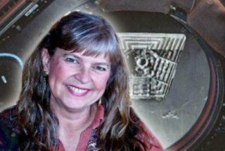 La militar violada en la Luna por extraterrestres con rabo está de los nervios