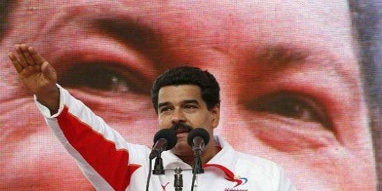 """Maduro amenaza con los militares si pierde: """"¡No entregaré la revolución!"""""""