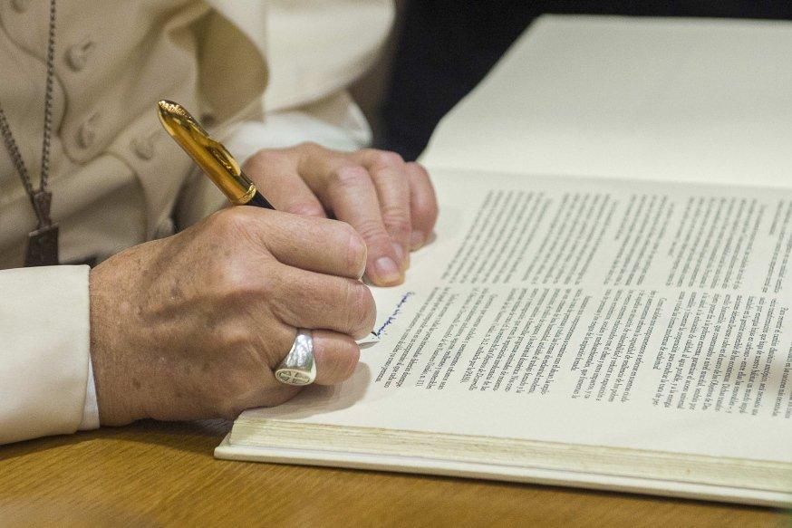Miles de divorcios en el Vaticano