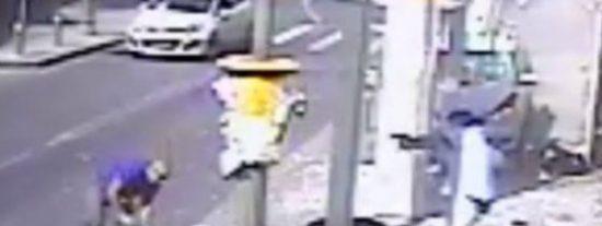 El terrorista abatido a tiros tras arrollar a 9 personas en la parada del bus