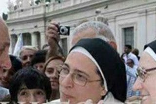 """El Papa Francisco a Sor Lucía Caram: """"Vos, continúa haciendo lío, no te canses, los pobres son lo más importante, eso es el Evangelio"""""""