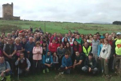 Cientos de cacereños piden la protección urgente de la ermita de San Jorge