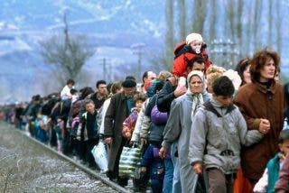 El cardenal Tagle visita a los refugiados en Grecia