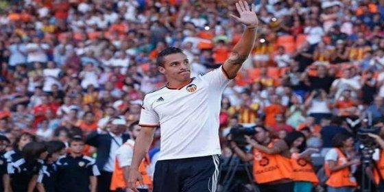 El Valencia podría 'encasquetar' a Rodrígo a uno de los grandes