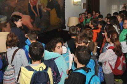 Los colegios recorren el Palacio Provincial de la Diputación de Cáceres