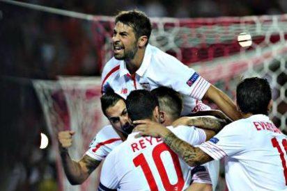 Movida dentro del vestuario del Sevilla con uno de sus jugadores