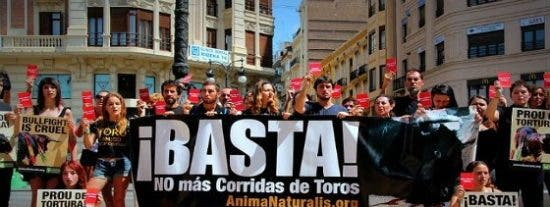 Más cornadas da el hambre: estocada de la izquierda a las corridas de toros en Baleares